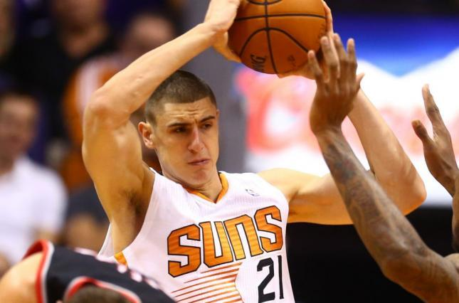 Украинский центровой Лэнь снова не сыграл в НБА