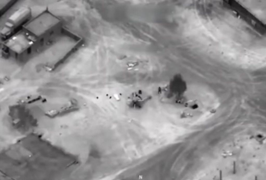 Коалиция во главе с США снова разбомбила колону российско-асадовских войск под Дейр-эз-Зором (ВИДЕО)