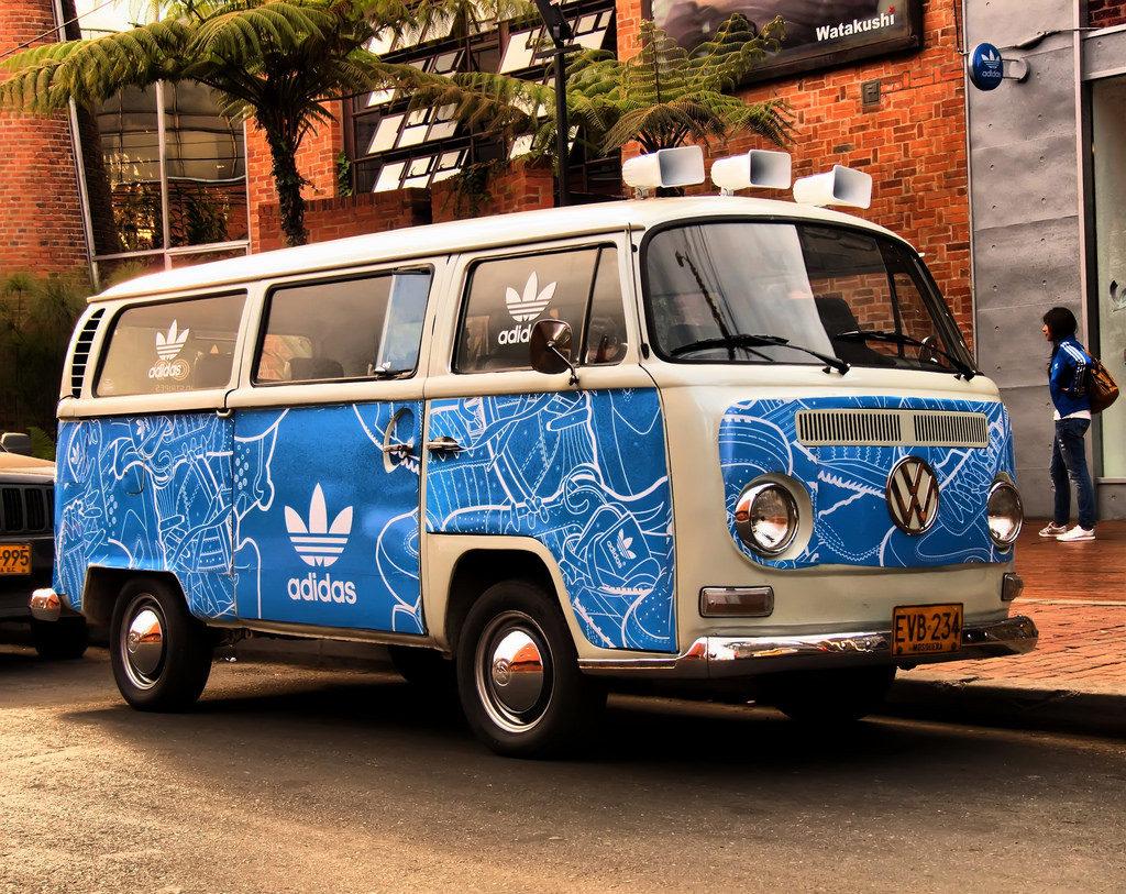 Adidas может присоединиться к Volkswagenи попасть под санкции в Украине из-за работы в Крыму