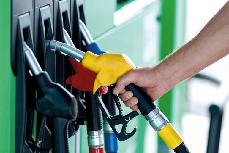 Эксперты провели подсчет, когда и на сколько может подешеветь бензин