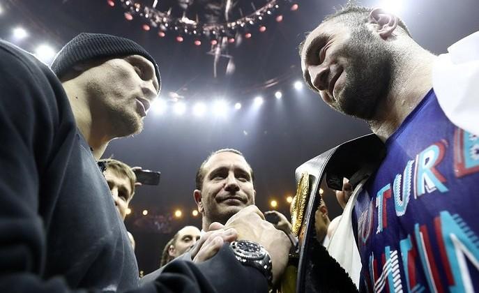 Россия желает перекупить и перенести дату финала Всемирной боксерской Суперсерии: Усик — Гассиев