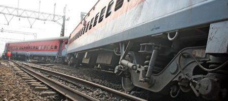 На Тернопольщине пассажирский поезд сошел с рельсов из-за вандалов укравших рельсы