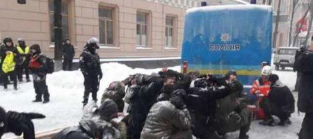 Михаил Саакашвили начинает собирать людей на массовый митинг