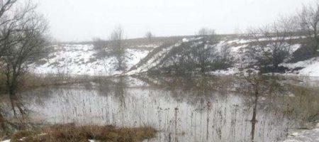 Под Киевом прорвало дамбу: местные села в опасности