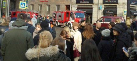 Серия пожаров на России продолжается: в Санкт-Петербурге загорелся торговый центр