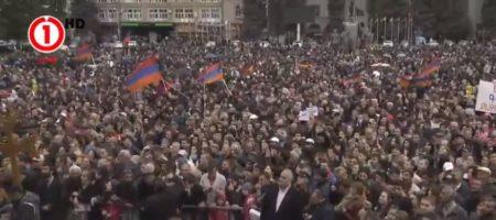 Всю Армению охватили протесты: люди массово бастуют в Гюмри, где находится российская база (ПРЯМАЯ ТРАНСЛЯЦИЯ)