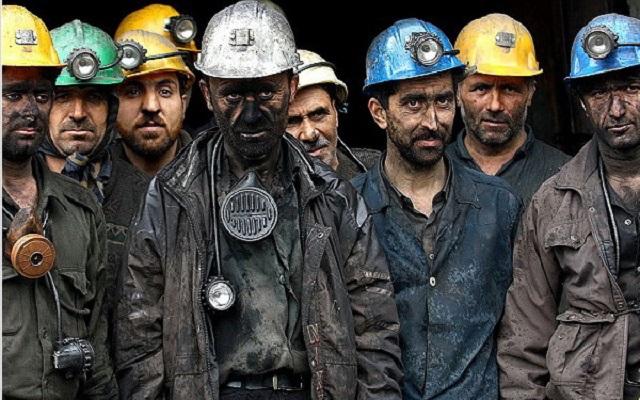 """В Донецке недовольные шахтеры избили """"непобедимых"""" путинских вояк отобрав у них оружие - детали"""