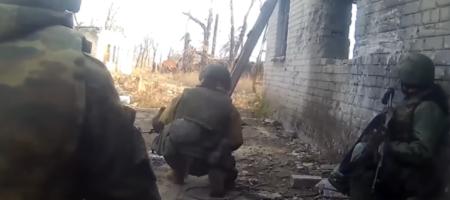 В сети появились кадры, как рашистский батальон известного ватника Прилепина заснял, как их разбило ВСУ (ВИДЕО)