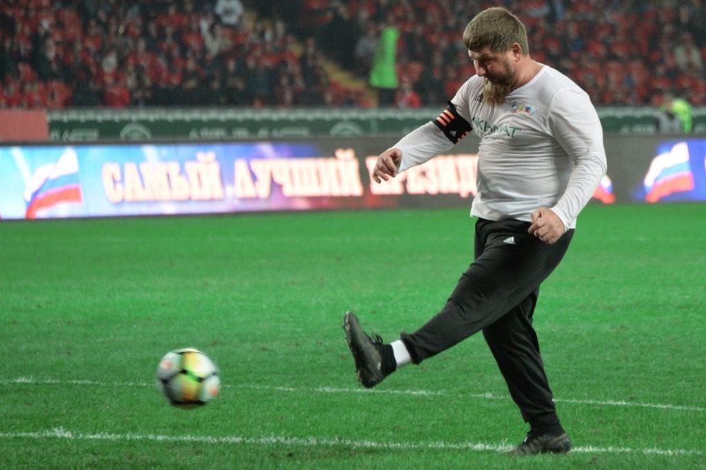 СКАНДАЛ на РФ: Кадыров пригрозил расстрелять Слепакова, который спел мега смешную тролинговую песню ЧМ по футболу на РФ и саму сборную России (ВИДЕО)