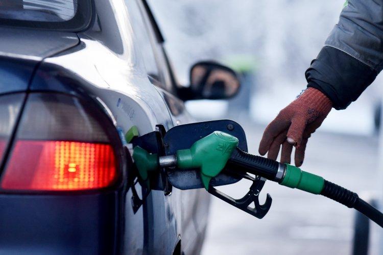 Украинские заправки готовят рост цен на топливо: когда ждать скачка?