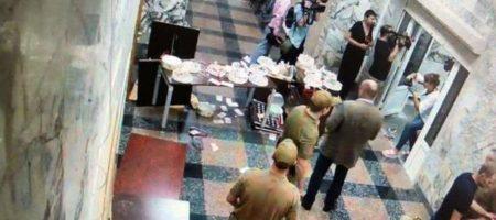 Стали известные подробности нападения активистов на здание НАБУ (ВИДЕО)