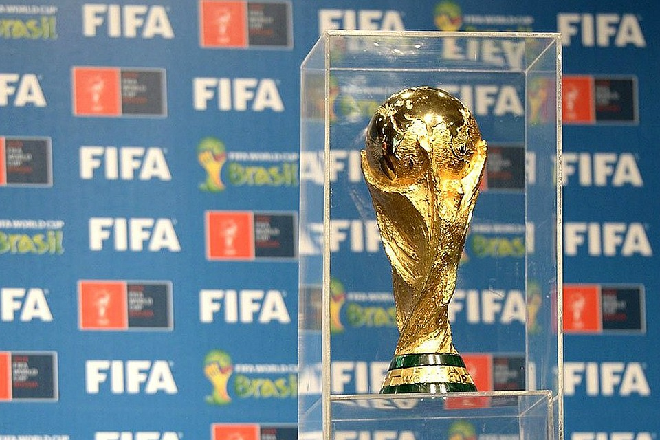 ФИФА доигралась: В Брюсселе продемонстрировали расследование, которое раскрывает коррупцию в ФИФА, которая разрешила провести ЧМ-2018 на России (ВИДЕО)