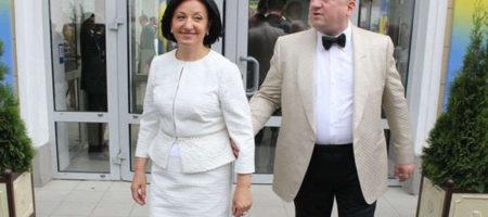 """Собственники """"Эпицентра"""" покупают львовские """"Карпаты"""" у беглого Дыминского"""