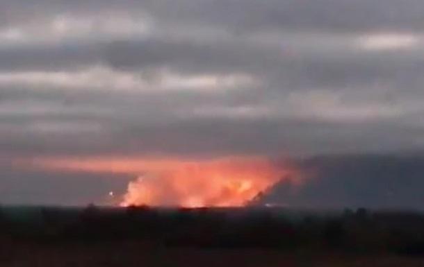 Из-за массовых взрывов на складах боеприпасов в Ичне Черниговской области эвакуируют 38 населенных пунктов. Генштаб зафиксировал четыре подрыва (ПРЯМАЯ ТРАНСЛЯЦИЯ)