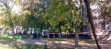 ''Похороните нас вместе'': жуткое самоубийство двух девочек в Мариуполе (КАДРЫ)