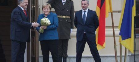 ''Вітаю, воїни!'' Меркель в Киеве поприветствовала украинских воинов на украинском языке (ВИДЕО)