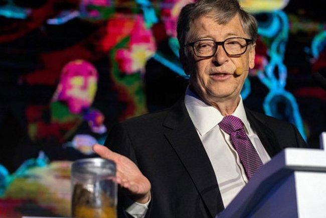 Билл Гейтс представил свое новое изобретении с помощью фекалий