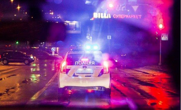 """В харьковском супермаркете """"Рост"""" полиция вынужденно стреляла, есть убитые"""
