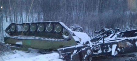 В Омской области РФ опрокинулся поезд с военной техникой (КАДРЫ)