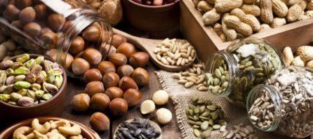 Диетологи разъяснили в каких орехах содержится наибольшее количество полезных веществ