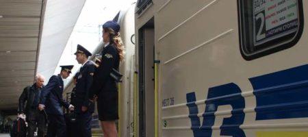 """В """"Укразализнице"""" запланировали запустить дополнительные поезда в пасхальные и майские праздники"""