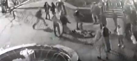На днях в Кривом Роге бандиты избили а потом отобрали оружие у полицейских (ВИДЕО)