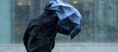 Украину накрыла непогода: обесточены почти 50 населенных пунктов