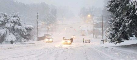 Мощная апрельская буря засыпает снегом США