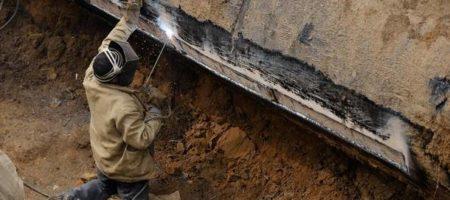 """Ремонтники из компании """"Вода Донбасса"""" попали под обстрел боевиков на Донбассе"""