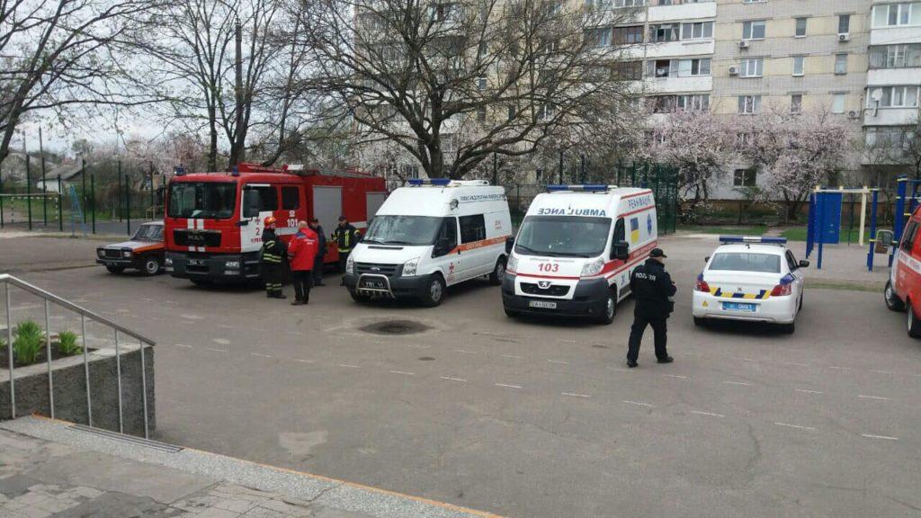 75 детей пострадало в черкасской гимназии: причиина балончик слезоточивого газа