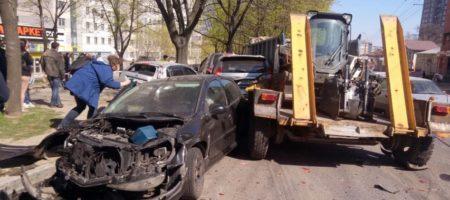 Масштабное ДТП в Днепре: Коммунальный грузовик без тормозов смял 11 авто (КАДРЫ)