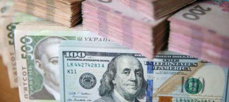 За прошедший месяц украинцы купили больше валюты, чем продали