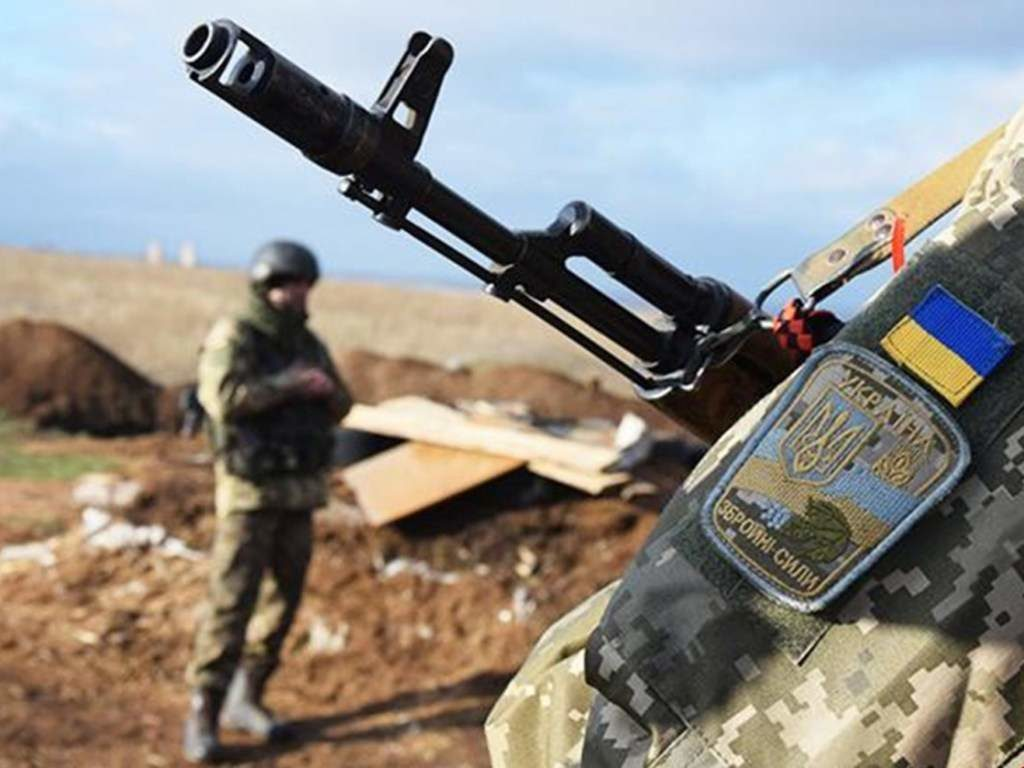 Сутки в зоне проведения ООС: украинский военнослужащий подорвался на мине