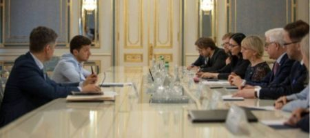 Зеленский поддерживает продление санкций против агрессора РФ