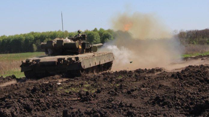 Сутки в зоне проведения ООС: ранены трое украинских военных
