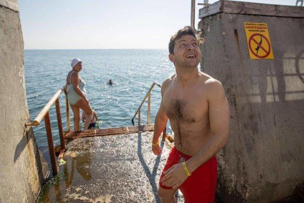 Зеленский с командой увидели море и не удержались искупавшись у зарошеного пирса (ФОТО)