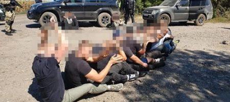 Нацполиция харьковщины задержала 15 рейдеров, которые напали на государственное исследовательское хозяйство