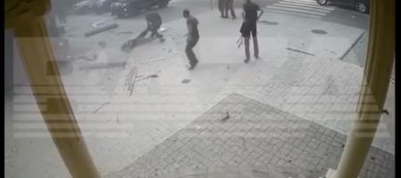 Перепуганные боевики тащилы окровавленное тело Захарченко за ногу - новое видео из оккупированного Донецка