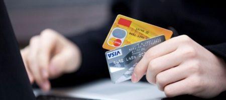 Нацполиция арестовала киберворов, укравших с карточек украинцев 1,5 миллиона грн