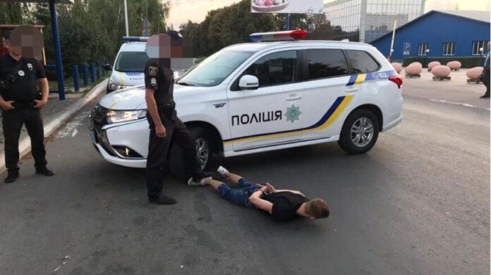 В Киеве пассажир такси устроил кровавую резню (ВИДЕО)