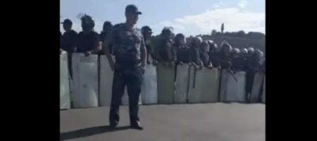 Силовики Киргизии снова проводя штурм дома экс президента (ВИДЕО)