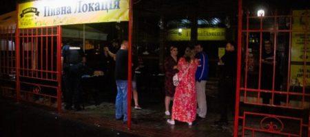 В Киеве ночью, пьяный посетитель кафе открыл стрельбу по посетителям