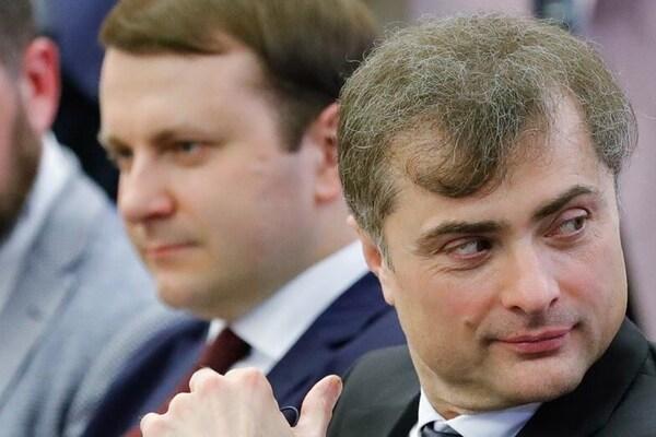Путин сдает Донбасс чтобы вернуться в G8! Сурков прибыл в Донецк и приказал грузить танки на Россию - подробности