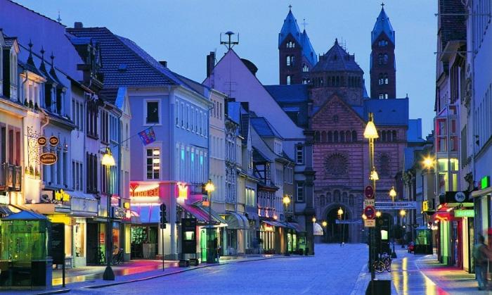 Правительство Германии планирует усилить борьбу с отмыванием денег на рынке недвижимости