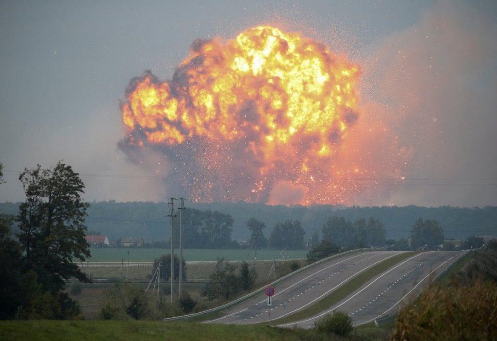 В Калиновке Винницкой области снова взрываются военные склады с боеприпасами - все подробности