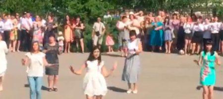 Танец харьковский учителей стал хитом сети (ВИДЕО)
