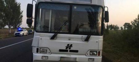 Пассажирский автобус сбил насмерть мужчину на Донетчине