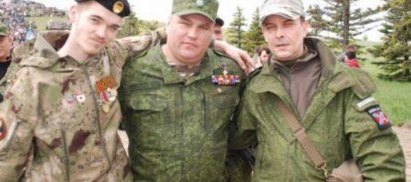 В Донецке «нездоровый движ»: население терроризируют неизвестные с дивными шевронами