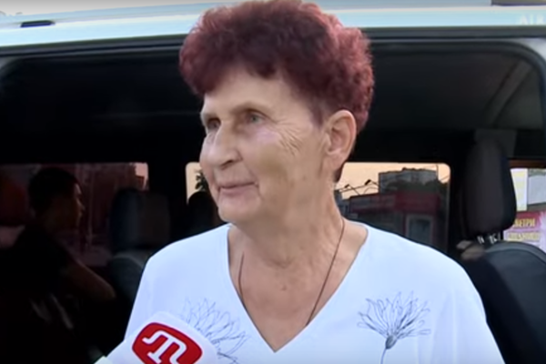 """""""Спасибо, сынок, что живой!"""": мать Сенцова впервые за долгие годы увидела сына-героя (ВИДЕО)"""