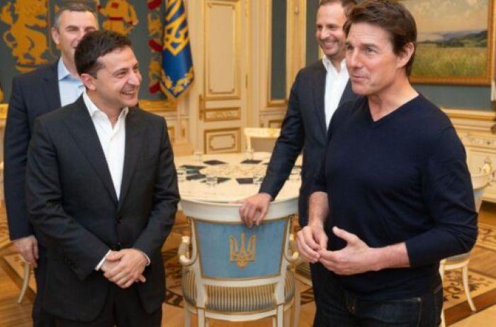 Том Круз прокатился в киевском метро и встретился с Зеленским. ВИДЕО